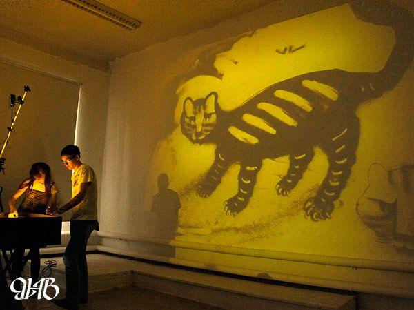 Мастер-класс по рисованию песком в рамках2-ой Уральской индустриальной биеннале современного искусства.