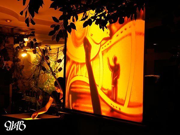 Песочное шоу в ресторане «Товарищ Сухов».