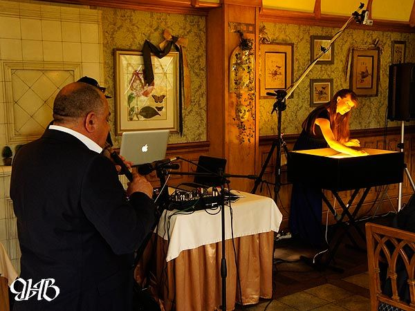 Песочное шоу на свадьбе в ресторации «Троекуровъ».