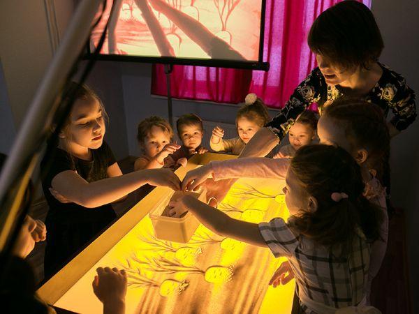 Мастер-класс по рисованию песком для детей в Екатеринбурге.